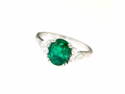 Emerald and Heart-Shaped Diamonds Ring