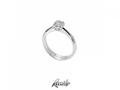 Solitaire Ring White Gold and Diamonds